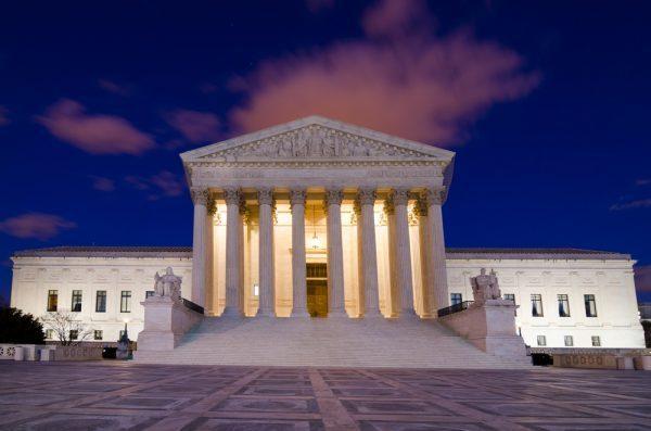 Pro-life organizácie naliehajú na Najvyšší Súd: Je čas zvrátiť rozhodnutie Roe vs. Wade, ktorým sa legalizovali potraty v USA